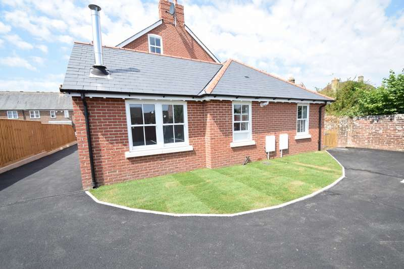 2 Bedrooms Bungalow for sale in Wareham