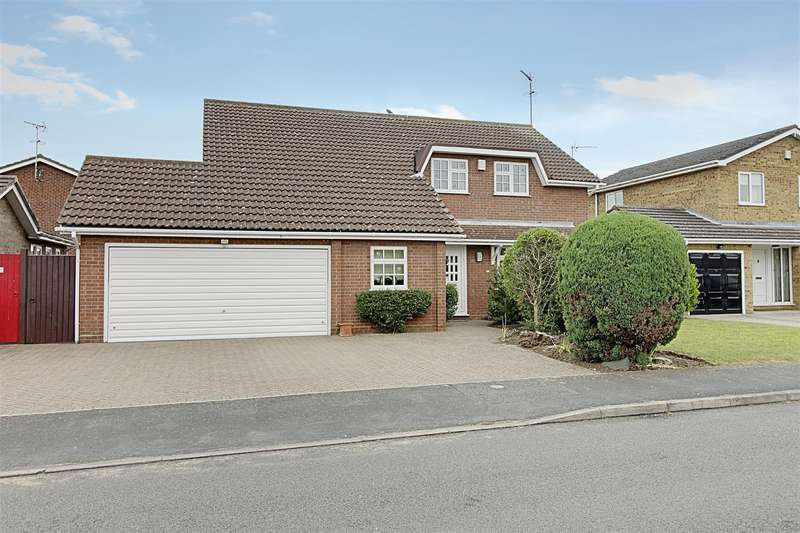 4 Bedrooms Property for sale in Curlew Walk, Deeping St. James