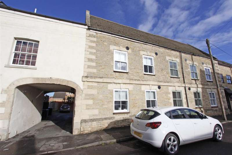 3 Bedrooms Terraced House for sale in Eastgate, Bourne