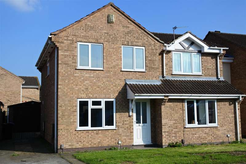 3 Bedrooms Detached House for sale in The Belfry, Grantham