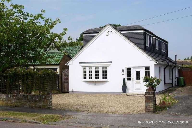 4 Bedrooms Detached Bungalow for sale in Jones Road, Goffs Oak