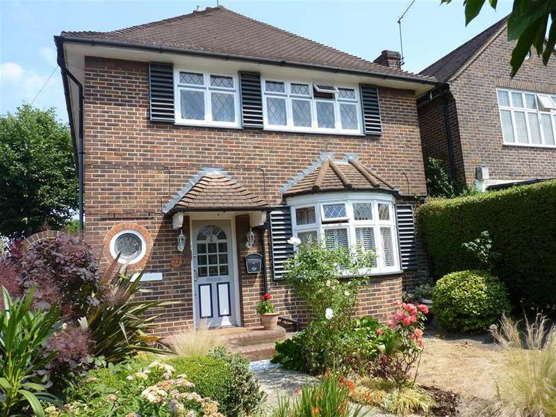4 Bedrooms Detached House for sale in Bromley Road, SE6