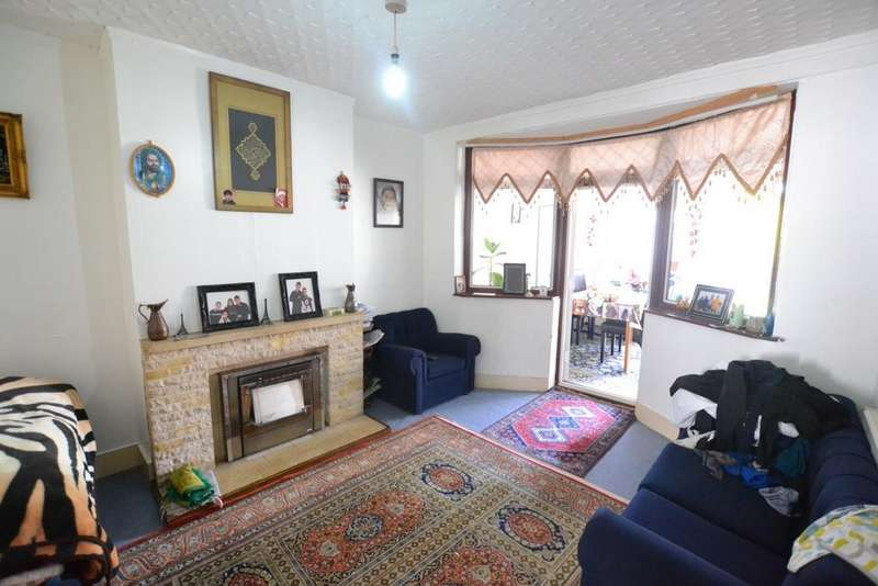 3 Bedrooms House for sale in York Road, Edmonton, N18
