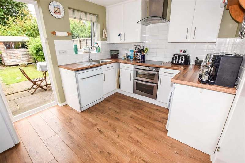 2 Bedrooms House for sale in Courtney Road, Colliers Wood