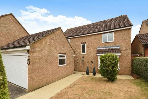 4 Bedrooms Detached House for sale in Wells Close, Kempston, Bedford