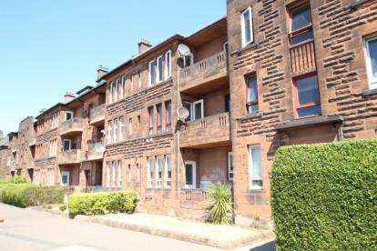 3 Bedrooms Flat for sale in 1724 Great Western Road, Anniesland, Glasgow