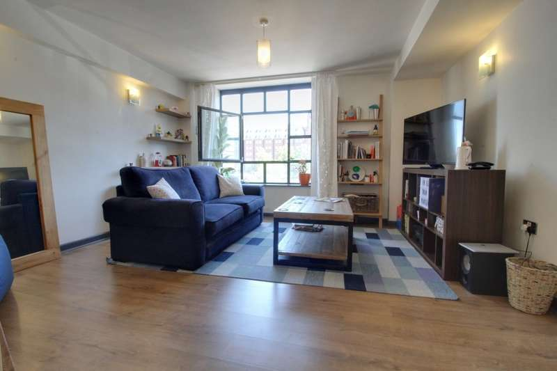 2 Bedrooms Flat for sale in Maxim 28, Off St Pauls Square