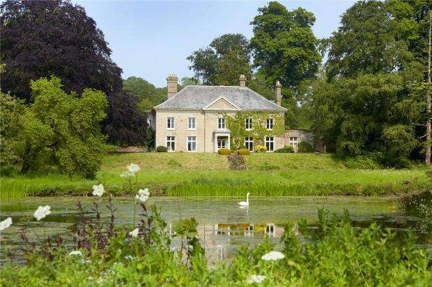 5 Bedrooms Detached House for sale in Sutton St. Nicholas, Hereford