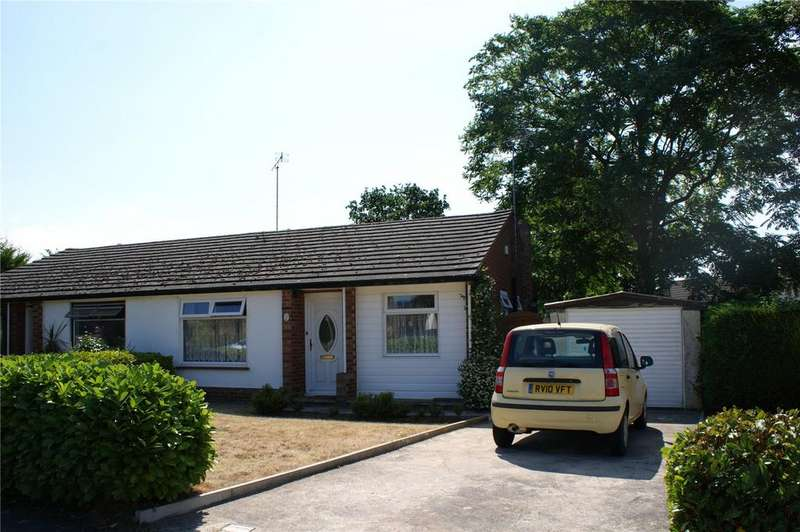 2 Bedrooms Semi Detached Bungalow for sale in Munro Avenue, Woodley, Reading, Berkshire, RG5