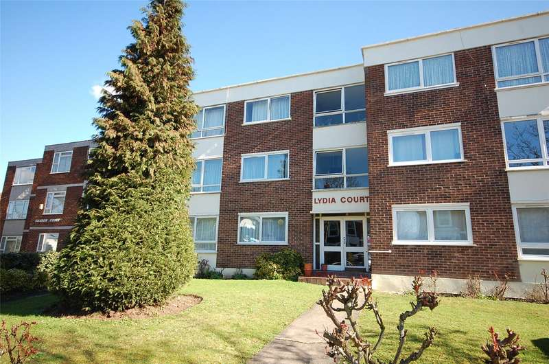 2 Bedrooms Flat for sale in Alexandra Grove North Finchley London