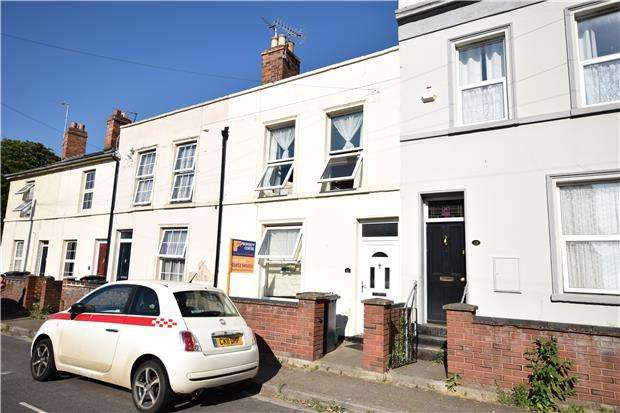 2 Bedrooms Terraced House for sale in Worcester Parade, GLOUCESTER, GL1 3AR