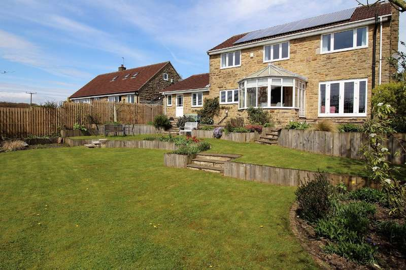 4 Bedrooms Detached House for sale in Meadow Garth, Bramhope, Leeds