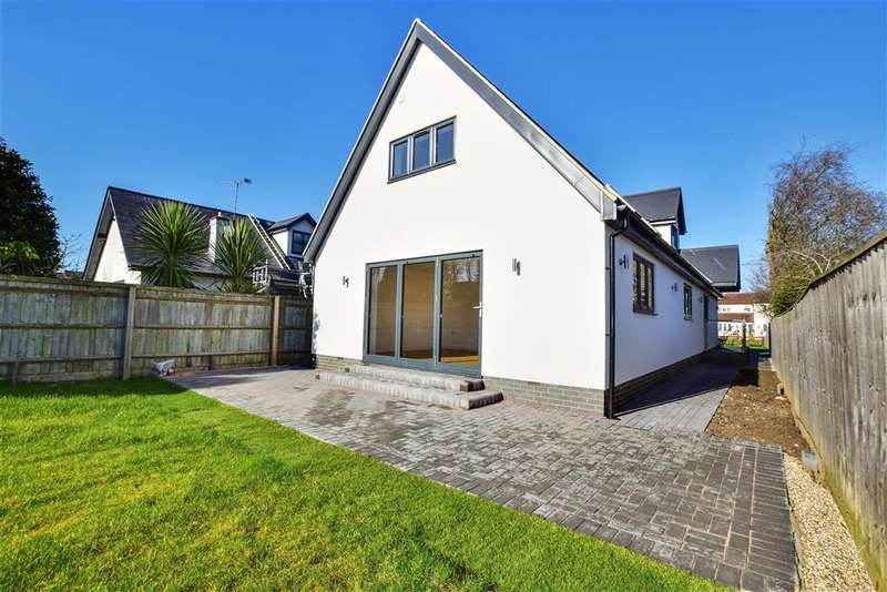 5 Bedrooms Detached House for sale in Dunton Road, , Basildon, Essex