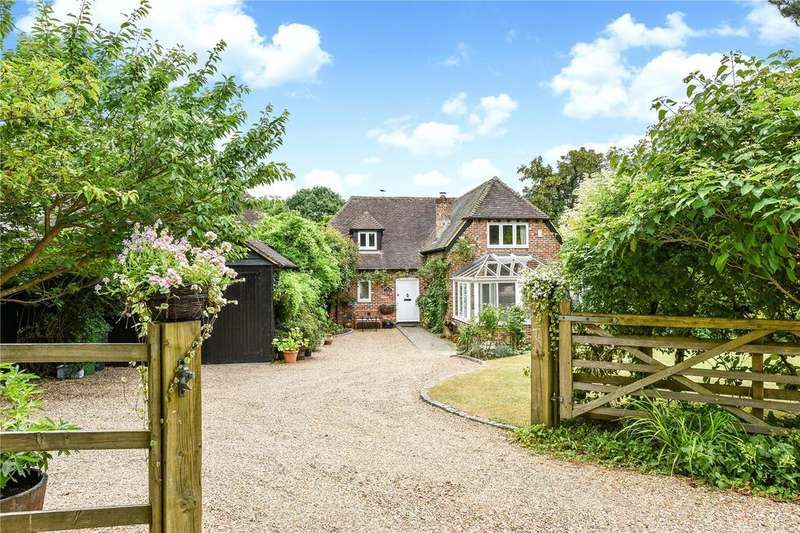 3 Bedrooms Detached House for sale in Pound Farm Barns, Winchester Road, Chawton, Hampshire