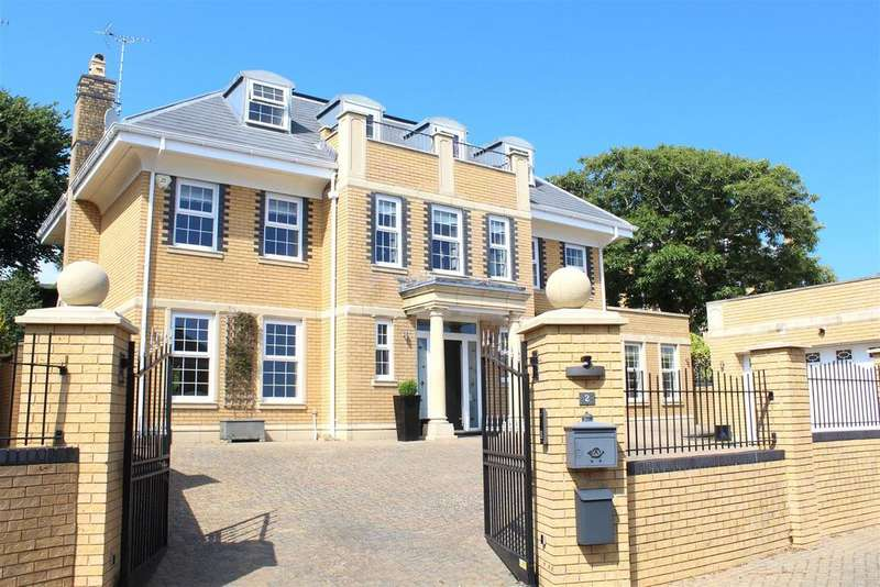 6 Bedrooms House for sale in Channel View, Langland