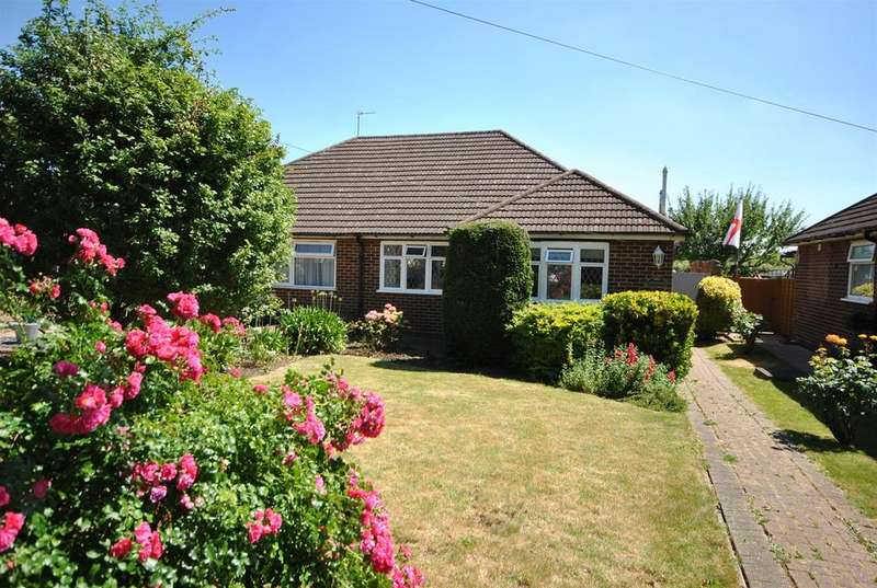 2 Bedrooms Semi Detached Bungalow for sale in Eastfield Road, Waltham Cross
