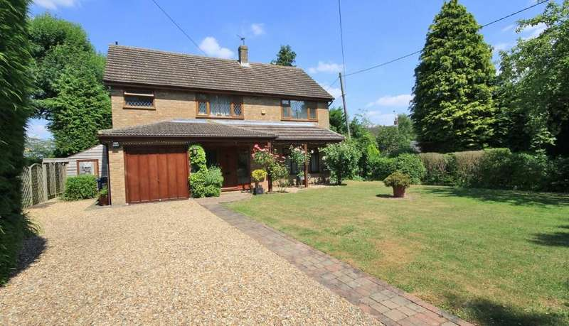 4 Bedrooms Detached House for sale in Great Kimble | Buckinghamshire
