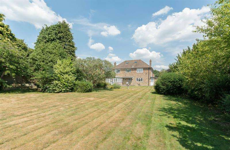 4 Bedrooms Detached House for sale in Solent Drive Warsash Southampton