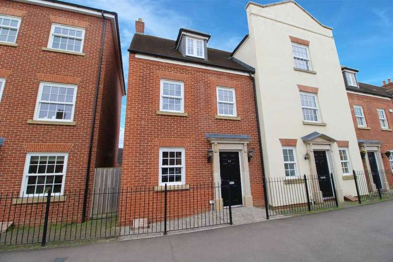 4 Bedrooms Town House for sale in Greenkeepers Road, Great Denham, Bedford MK40