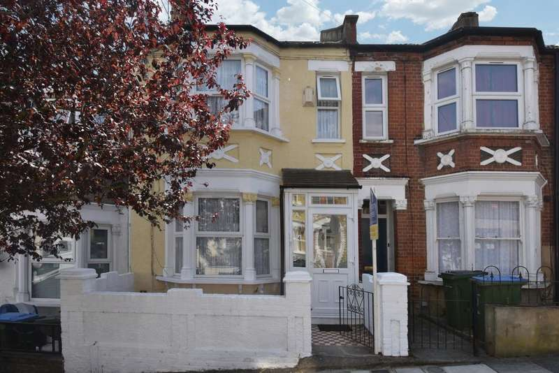 5 Bedrooms Terraced House for sale in Gatling Road London SE2