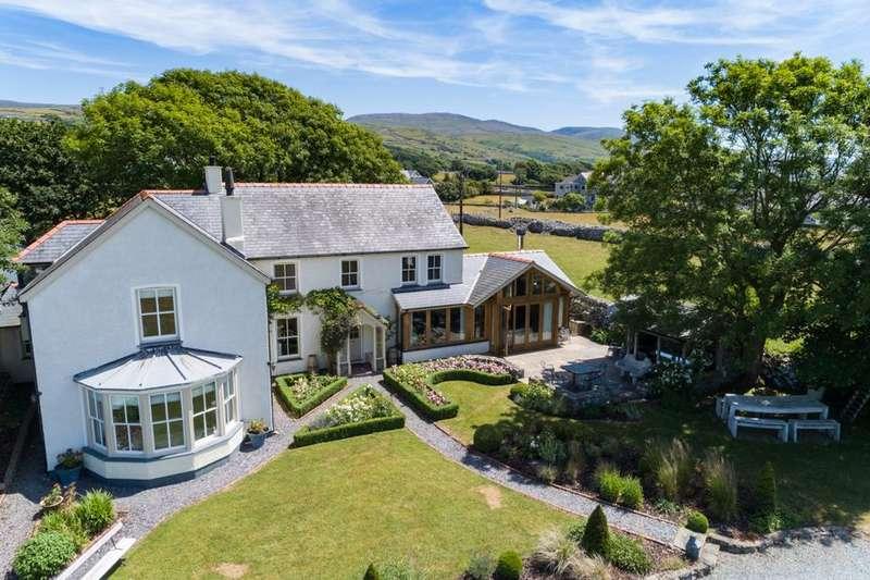 5 Bedrooms Detached House for sale in Ffordd Glan Y Mor, Talybont, LL43
