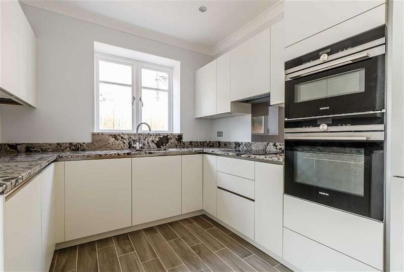 2 Bedrooms Flat for sale in Charlewoode House, Chorleywood