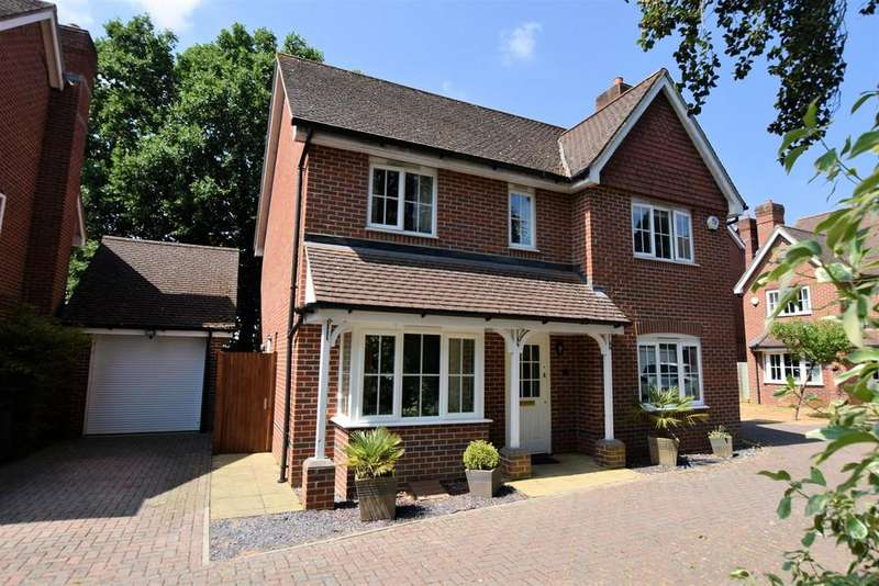 5 Bedrooms Detached House for sale in Westwood Road, Tilehurst, Reading