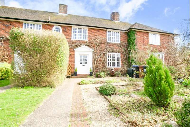 5 Bedrooms Property for sale in The Links, Welwyn Garden City