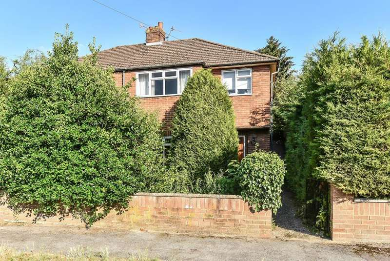 3 Bedrooms House for sale in Wooburn Green, High Wycombe, Buckinghamshire, HP10