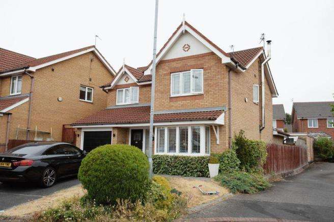 4 Bedrooms Detached House for sale in Shelley Court, Southdene, Kirkby