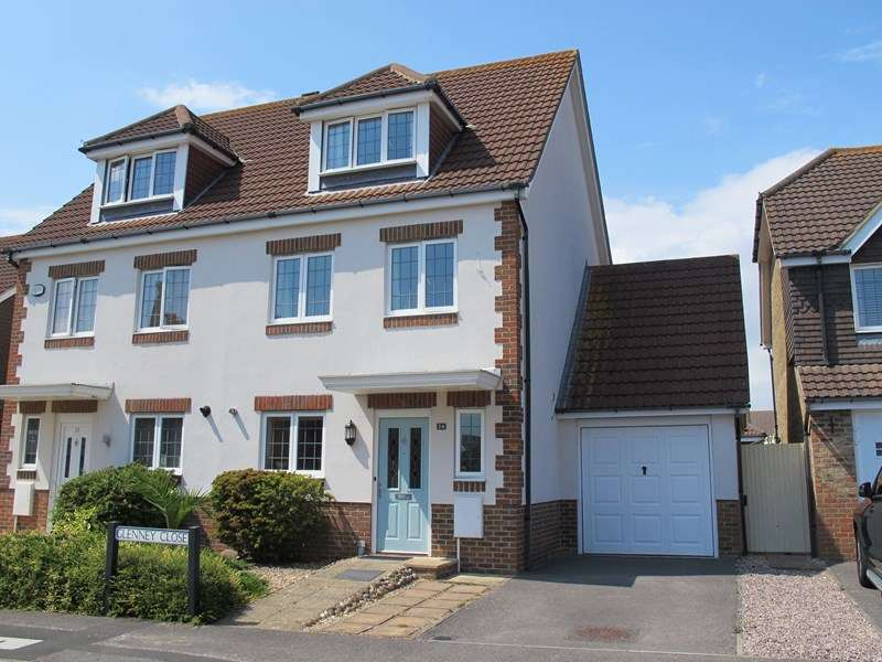 3 Bedrooms Semi Detached House for sale in Glenney Close, Lee-On-The-Solent