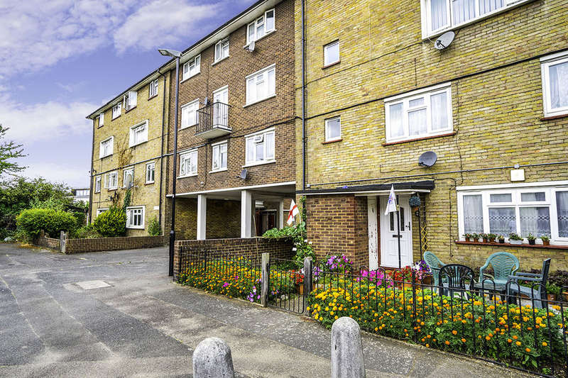 3 Bedrooms Flat for sale in Anne Street, London, E13