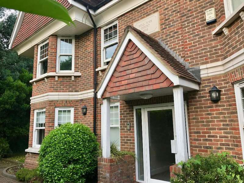 2 Bedrooms Serviced Apartments Flat for rent in **SHORT TERM SERVICED ACCOMODATION**, 795 + VAT per week, Park Rise Close, Leatherhead, Surrey, KT22 7HE