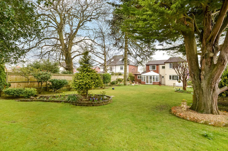 4 Bedrooms Detached House for sale in Fareham, Hampshire