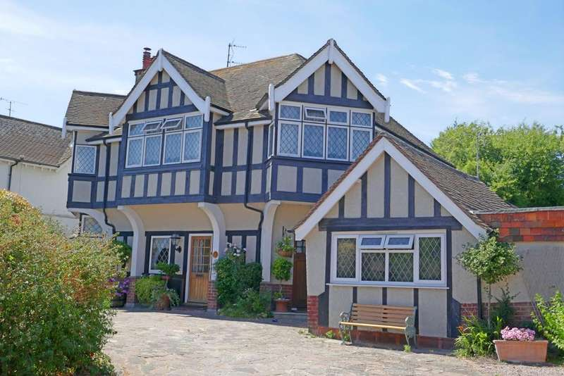 3 Bedrooms Apartment Flat for sale in Rosebery Avenue, Eastbourne, BN22