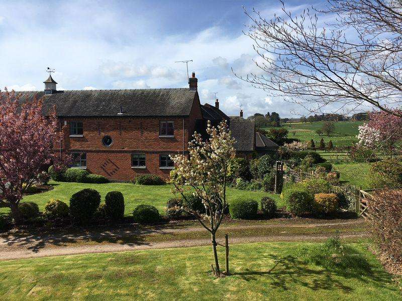 4 Bedrooms Detached House for sale in Dovecotes, Mill Farm Court, Chebsey, Staffordshire ST21 6HZ