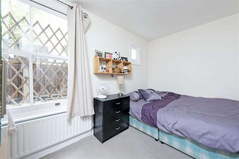 2 Bedrooms Flat for sale in Brayburne Avenue, SW4