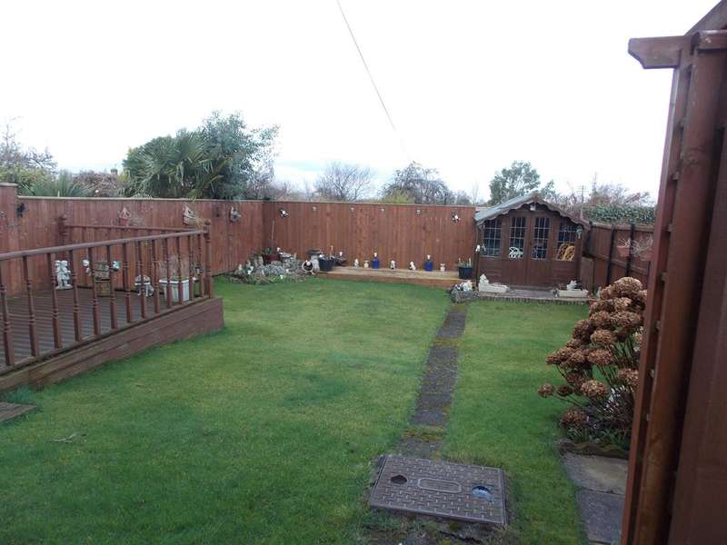 3 Bedrooms Detached House for sale in Churchill Road, Eston, Middlesbrough, TS6 9NS