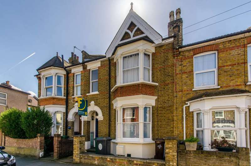 3 Bedrooms House for sale in The Links, Walthamstow, E17