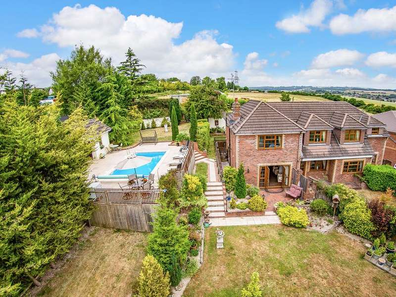 4 Bedrooms Detached House for sale in Catherington , Hampshire