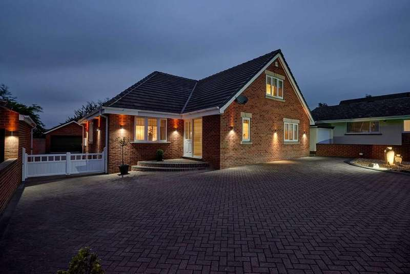 4 Bedrooms Detached Bungalow for sale in Church Lane, Barnburgh