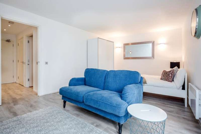Flat for sale in Michigan Building, Biscayne Avenue, E14