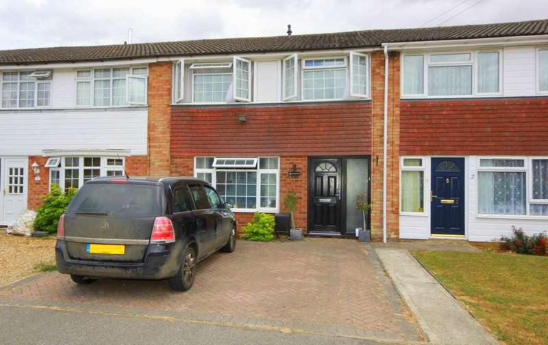3 Bedrooms House for sale in SPACIOUS 3 BED FAMILY HOME WITH DRIVEWAY IN POPULAR VILLAGE LOCATION