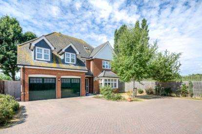 6 Bedrooms Detached House for sale in The Brambles, Great Barford, Bedford, Bedfordshire