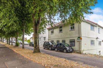 3 Bedrooms Flat for sale in Arwenack Avenue, Falmouth, Cornwall