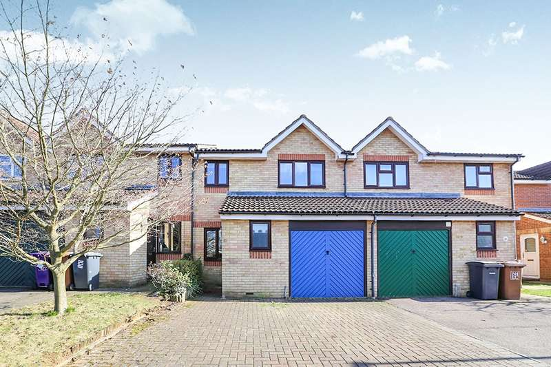 3 Bedrooms Terraced House for sale in Sturrock Way, Hitchin, SG4