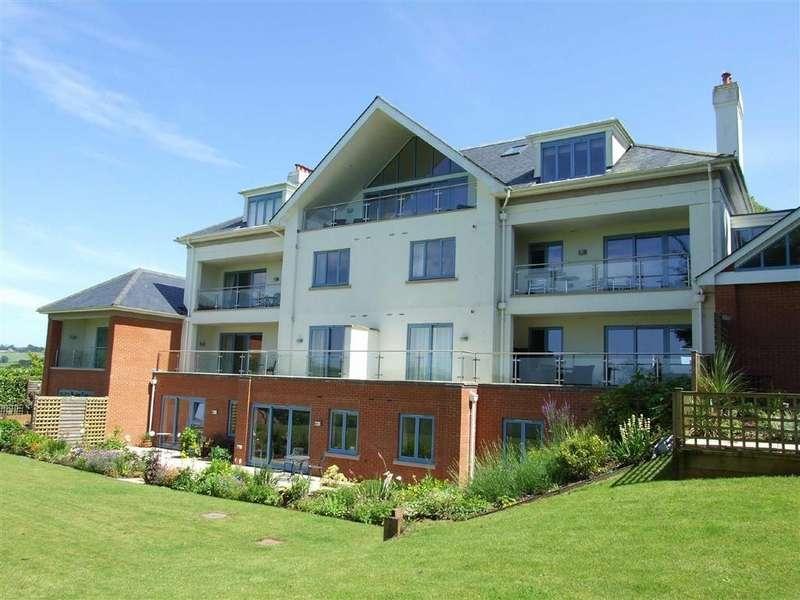 3 Bedrooms Apartment Flat for sale in Redhills, Jubilee Road, Totnes, Devon, TQ9