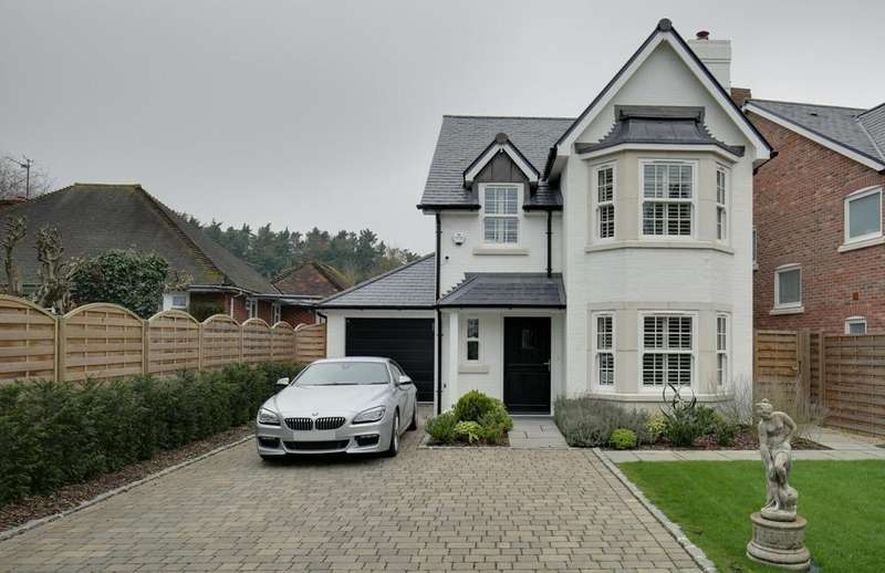 4 Bedrooms Detached House for sale in Burchetts Green
