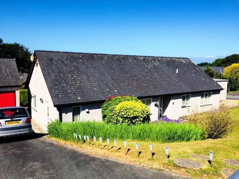 3 Bedrooms Bungalow for sale in 6 Glan Ysgethin, Talybont, LL43