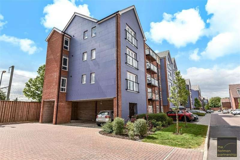 2 Bedrooms Flat for sale in Chadwick Road, Langley, Berkshire